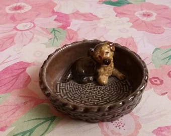 Vintage 1970s Wade Porcelain Alsatian Puppy in Dog Basket Ornament or Dish - 1974 - 1981