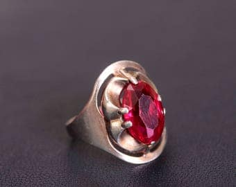 Sterling silver red synthetic corundum ring Size 6 1/4 Made in USSR
