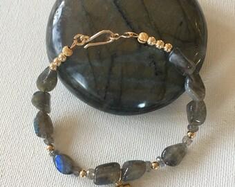 Labradorite Bracelet With Hanging Labradorite Pendant, Boho Chic, Rustic Elegance, Bohemian