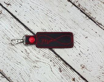 Mom Keychain/Zipper Pull