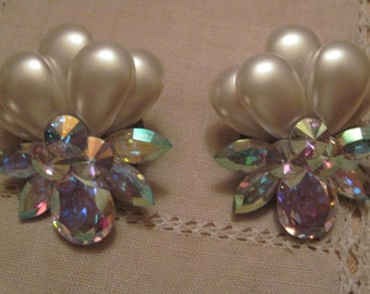 Pearl  and irredescent Earrings  Clip Vintage on ear pearl eveningwear