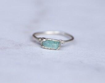 Silver Emerald Ring, Raw Emerald Ring, May Birthstone Ring, Green Stacking Ring, Emerald Engagement Ring, Rough Emerald Ring, Beryl