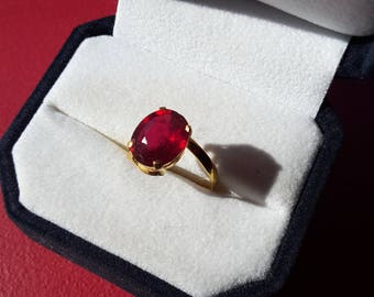 Ring yellow gold 18 ct, 18 k, 750 and Ruby