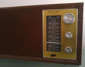 Vintage Realistic MTA-B AM-FM Radio