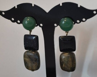 These gems, labradorite, palissandro square, black glitter and green aventurine cabochon earrings
