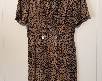 Vintage 1990s Robbie Bee Leopard Print Silk Shirtdress with Pearl Buttons