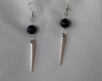 Black pearl and spike earrings
