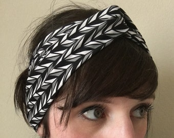 Stretchy Turban Headband - Grey Black White Triangles Stretchy Headband - Yoga Headband - Workout Headband - Hair Accessory