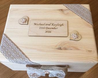 Rustic Wedding Keepsake Box - Medium Sized - Handmade & Personalised Gift for Couples - Pyrography