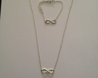 Set necklace and bracelet fancy infinity symbol