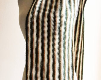 Fringe scarf / warm tone lines / man woman never worn / fringed scarf lines warm tones / man never worn woman