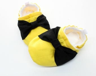 Emma's Bow Shoes, soft sole shoes for babies, pre-walkers, toddler shoes, Birthday shoes, The Wiggles inspired Emma shoes
