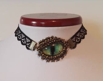 GLOW lN THE DARK Dragon eye choker necklace
