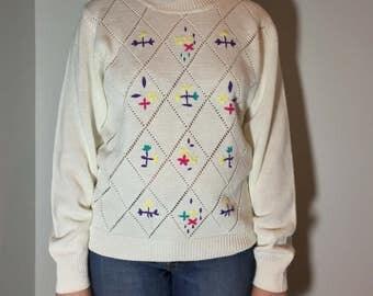 White Embroidered Sweatshirt - Vintage clothing