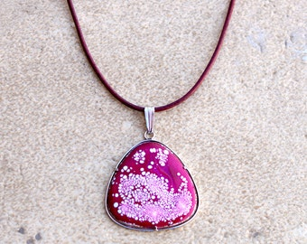 Enamels to fire Garnet and white pendant