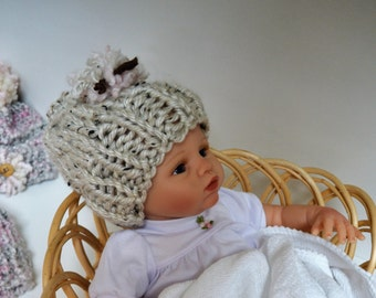 Baby Girl Hat / Newborn - 3 months
