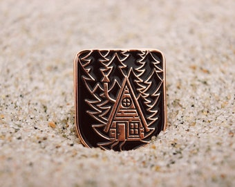 Enamel Pin Cabin in Night Forest | Mountain forest | Home | Adventure | Shine | Gift