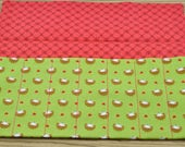 7 pen wrap- hedghogs with red lining