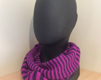 Alpaca Mobius Neck Wrap Purple/Cerise