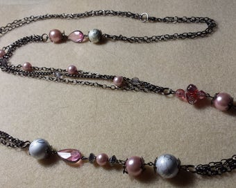 Necklace chain black and pink stones