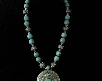 Antique Pendant Turquoise Necklace