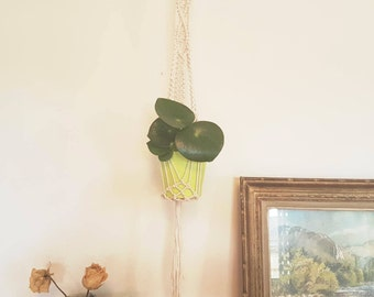 Floral suspension / macrame / unbleached natural cotton + wooden ring / hand made / hippy Bohemian interior decoration