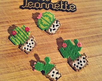 Cactus in Miyuki beads brooch