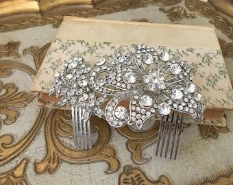 Bridal Headpiece.Crystal Hair Comb.Rhinestone Silver Bridal headpiece.Bridal hair accessory.wedding hair piece.Crystal Bridal Hair Piece