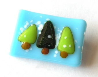 Three Tree Pin - Holiday Brooch - Winter Accessory - Fir Trees in Snow - Fused Glass Tree Brooch - Lapel Pin - Christmas Tree Pin