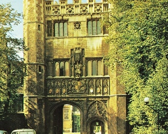 Vintage postcard, Great Gate, Trinity College, Cambridge, England, UK, 1979