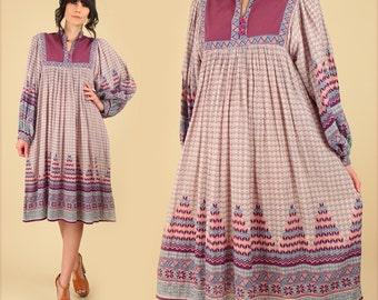 ViNtAgE Indian Dress Gauze Cotton // 70's Bohemian Dress // Tribal Geo Print Bib India Festival // Hippie BoHo Gypsy Medium M