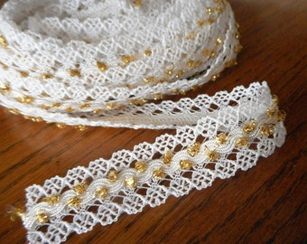 VINTAGE Yardage White Lace with Gold Metallic Thread accent Sewing APPLIQUE Trims