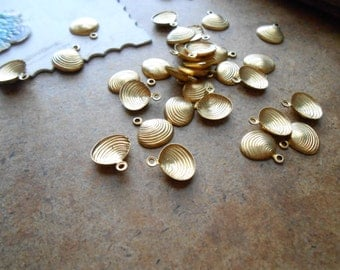 7 pc brass oyster shell clam shell charm mermaid ocean sea jewelry- vintage old new stock jewelry supplies