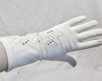 1940s Vintage Off White Cotton Gloves with Bows and Beads 6 1/2
