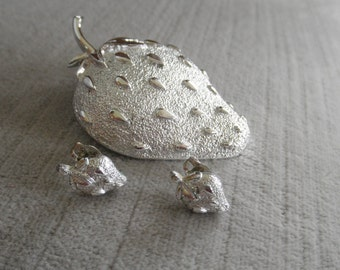 Vintage Signed Crown TRIFARI Silver Strawberry Brooch and Earrings Set