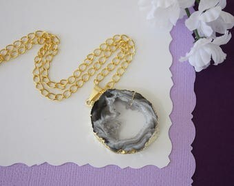 Druzy Necklace Gold, Gold Geode Necklace, Crystal Necklace, Gold Geode Slice Druzy, Healing Stone, Natural Stone, Pendant, GG15