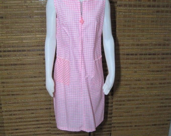 50s 60s Dress Deadstock Vintage, Sue Sherry Pink Gingham, Zipper Front Sleeveless Shift, Mod Summer House Dress, New Old Stock, Bust 36