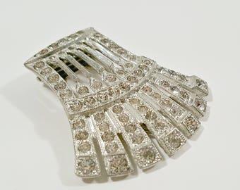 Vintage Dress Clip, Art Deco Rhinestone Fan Dress Clip, Clear Faceted Sparkle Silver Tone Dress Fur Clip, Bridal Jewelry