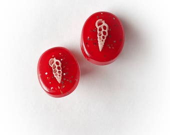 Vintage Red Lucite Confetti Earrings Clip On Glitter and Shells