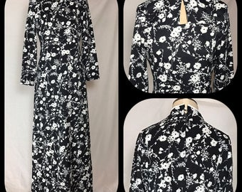 1970s Lady Blair Maxi Dress with Black and White Floral Pattern - Size Small/Medium