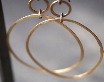 Large light-weight, organic chic double hoop 18k yellow gold earrings