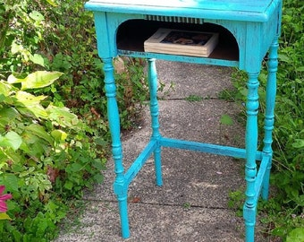 Table Primitive Farmhouse Accent/ Side Table Spindle Legs Poppy Cottage Painted Furniture PAINT to ORDER Custom