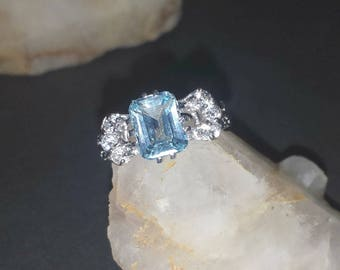 Vintage Blue Topaz Sterling Silver Estate Ring Size 9-1/4 / 5.5 Carat Blue Topaz with Clear Topaz Accents Wedding Ring Sz 9.25
