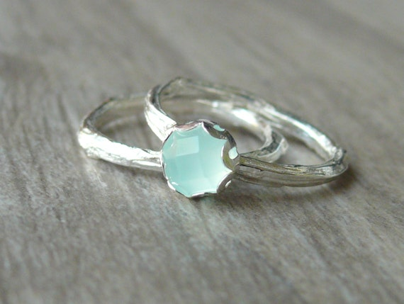 Twig Ring With Stone