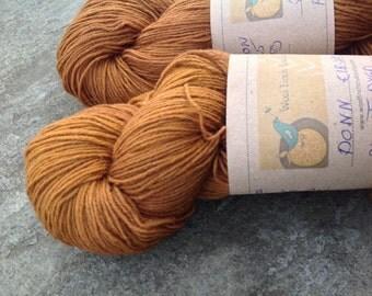 DONN - PLANT DYED  - Wool/Nylon super wash  yarn