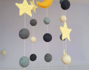 Moon Baby Mobile Space Nursery Decor Baby Boy Crib Mobiles Hanging Stars Nursery Mobile Monochrome Felt Ball Cot Mobile Neutral Newborn Gift
