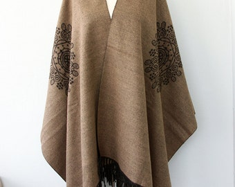 Bohemian poncho Mink Bison Winter fashion Native american clothing Boho chic poncho Long fringe poncho Women clothings Light brown beige