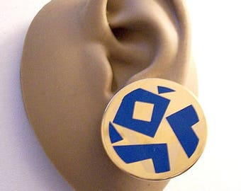 Avon Blue Etched Discs Clip On Earrings Gold Tone Vintage Large Round Big Buttons Abstract Modern Layered Design