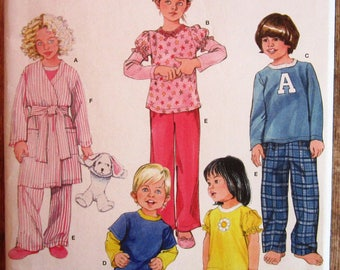 Childrens Pajamas and Robe Sizes 4 5 6 7 8 Simplicity Pattern 2826 UNCUT