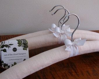 Padded Hangers, Linen Hangers, Blush Linen Hangers, Bridesmaid Hangers, Blush Linen Hangers, Fabric Covered Hangers, Covered Hanger Set of 3
